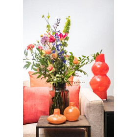 With This Fiery Red Bulbous Vase You Set Accents Intended For Indivi 29 50